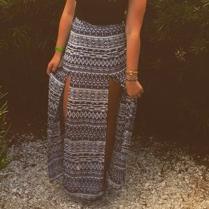 Aztec print maxi skirt with slits
